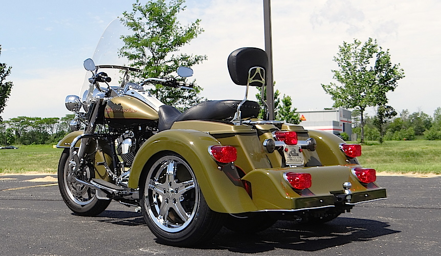 H-D Road King - Voyager Classic Motorcycle Trike Kit
