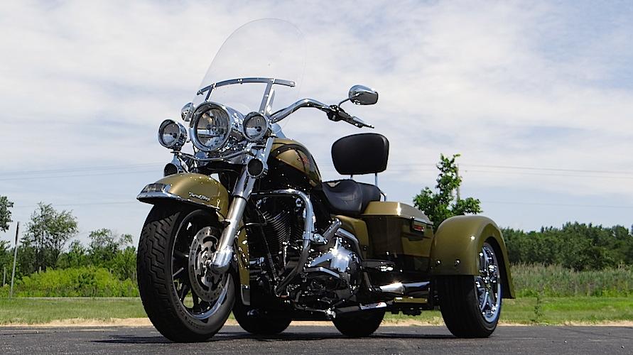 H-D Road King - Voyager Classic Motorcycle Trike Kit