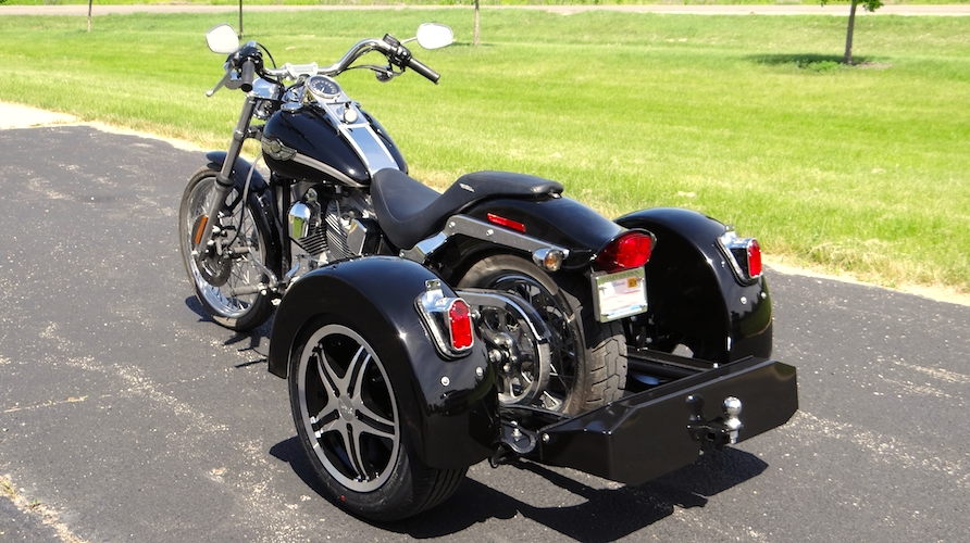 H-D Softail Standard - Voyager Custom Rounded Motorcycle Trike Kit