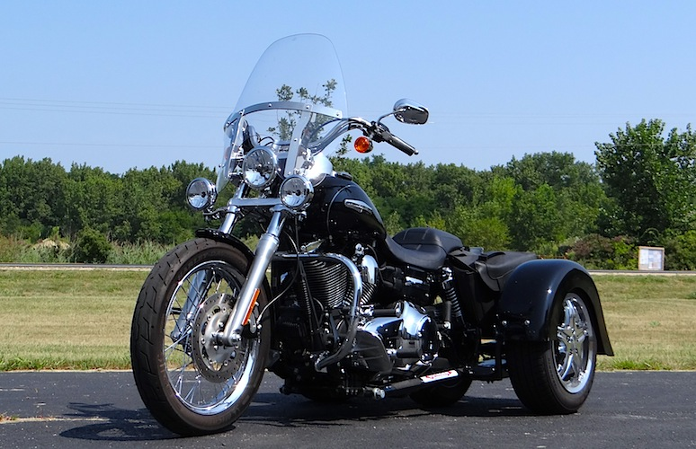 Harley-Davidson Dyna Super Glide - Voyager Classic Motorcycle Trike Kit