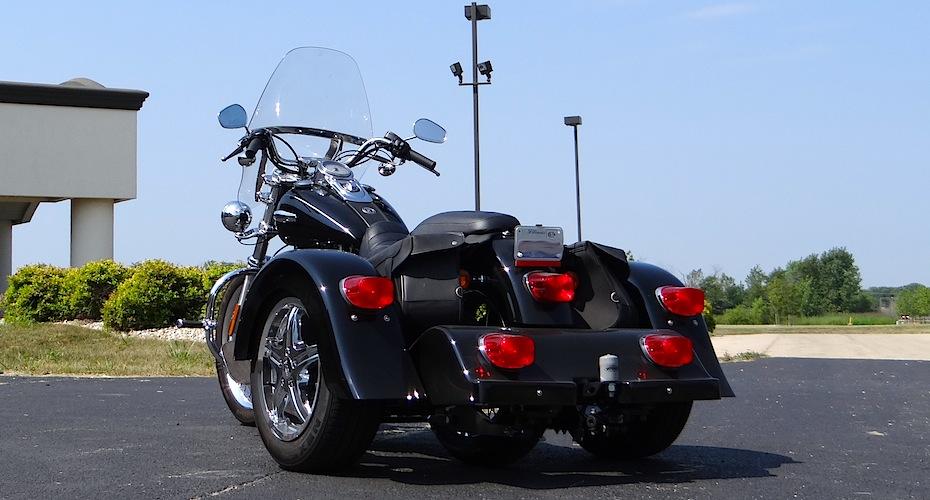 Harley-Davidson Dyna Super Glide - Voyager Classic Motorcycle Trike Kit
