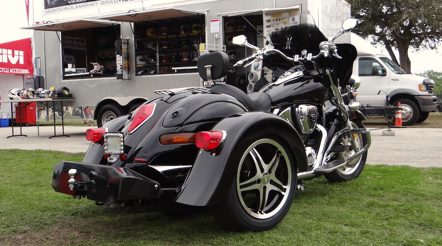 Honda VTX 1300 - Voyager Custom Motorcycle Trike Kit